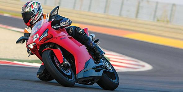 2012 Ducati 848 Evo in India road test