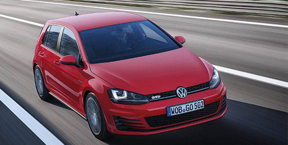 2013 Geneva Auto Show: Volkswagen Golf GTI and GTD