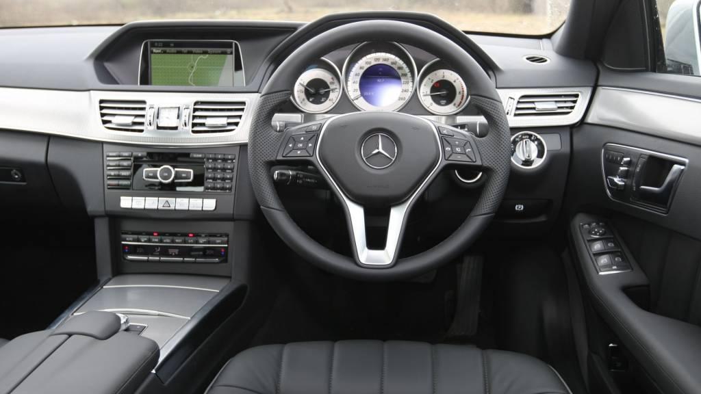 2013 Mercedes E 250 CDI dash
