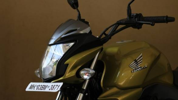 2013 Honda CB Trigger headlamp and tank