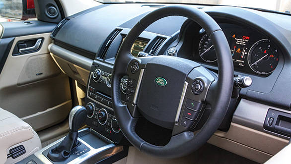Steering wheel gets a symmetric array of buttons unlike previous generation array