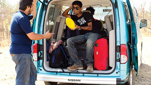 Ashok demonstrates how much space was left in the boot after we piled in our luggage
