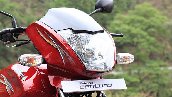 The Centuro's headlamp is different from the Pantero's and is a more filled-out unit