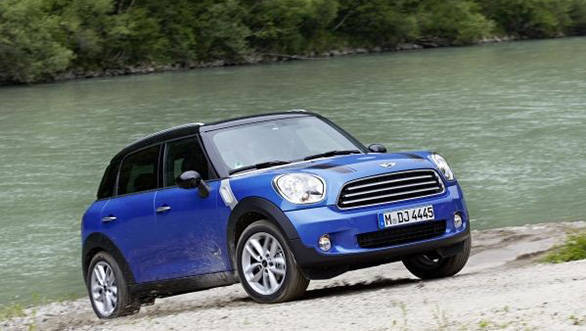 MINI adds the ALL4 feature to two more models