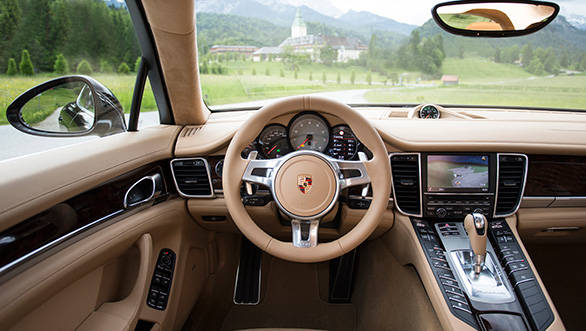 The luxurious interiors of the Panamera 4S makes one forget the polarized opinion about the exteriors