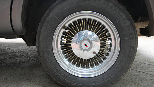 The Kazwa we drove came shod with 13 inch tyres mounted on cool wire-spoke rims