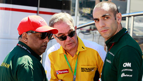 Fernandes (left) with the new manager of Caterham F1 Cyril Abiteboul (right)