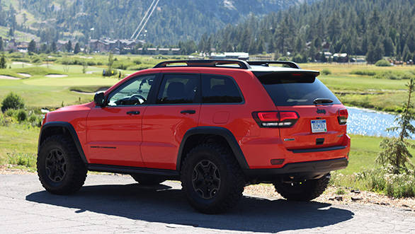 The Trailhawk II also included 35-inch Mickey Thompson tyres, enlarged wheel openings, new front and rear skid plates, dual rear tow hooks as well as modified rock rails from Mopar