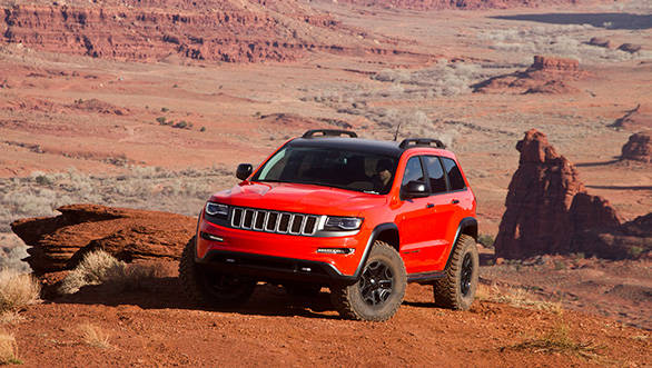 The Trailhawk II matches the SRT hood to SRT front and rear fascias modded for extra ground clearance