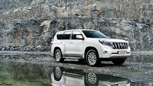 Toyota-Land_Cruiser_2014_1600x1200_wallpaper_03
