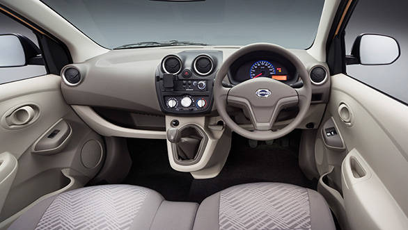 The GO+ even has the same pull-type parking brake lever on the dashboard like its hatchback sibling