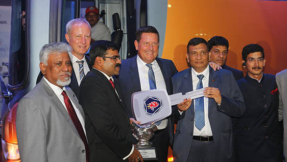 Sivakumar, director – sales, Scania Commercial Vehicle India (in black jacket);  Mr. Anders Grundströmer, managing director Scania Commercial Vehicle India and senior vice president Scania Group;  RC Baid, chairman & chief mentor, Siddhi Vinayak Logistics Ltd. and Deepak Baid, director