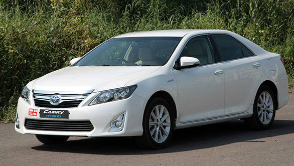 2013 Toyota Camry Hybrid India road test