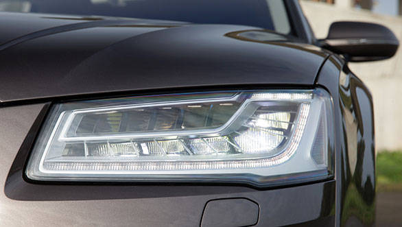 Trick new Matrix LED headlamps automatically cut the high beam around an oncoming vehicle