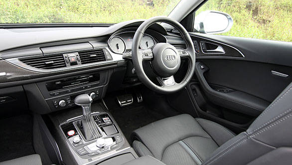 The cabin reeks of quality and for most part, looks exactly as the regular A6