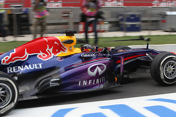 2013 Indian GP: Vettel on pole at the BIC