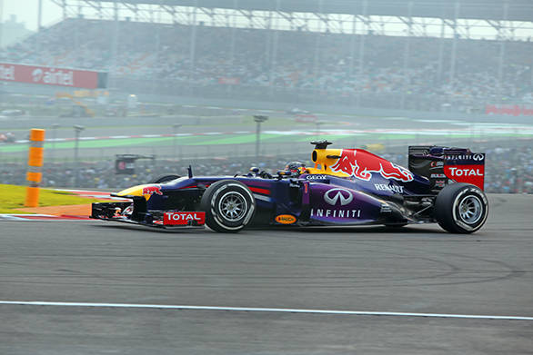 2013 Indian GP: Vettel wins, claiming fourth title along the way