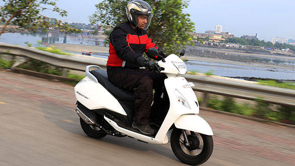 2013 TVS Jupiter India first ride