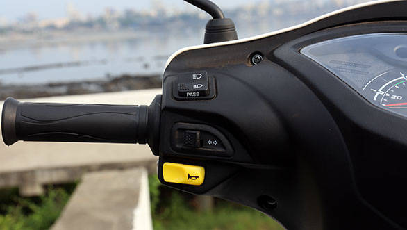 The fit and feel of the panels and switch gear is quite good, and similar to those on the Wego, except now the high-low beam switch also has the pass light cleverly integrated into it