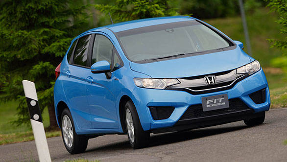 2014-Honda-Fit-Exterior-Driving-16