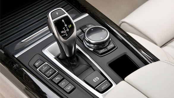 The 8-speed auto is standard and offers smooth and quick shifts.