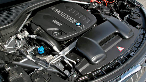 The xDrive30d features an updated 3.0-litre straight-six seen in the outgoing model