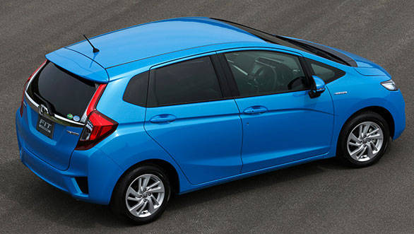 Honda-Fit-Hybrid-rear-three-quarters-02