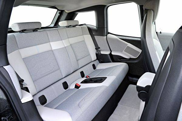 The i3 has more than adequate leg room at the front and acceptable knee room at the rear.