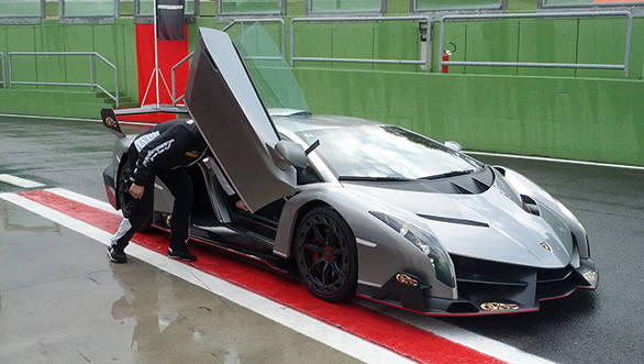 Lamborghini Veneno We Hitch A Ride In The Rs 28 Crore Supercar