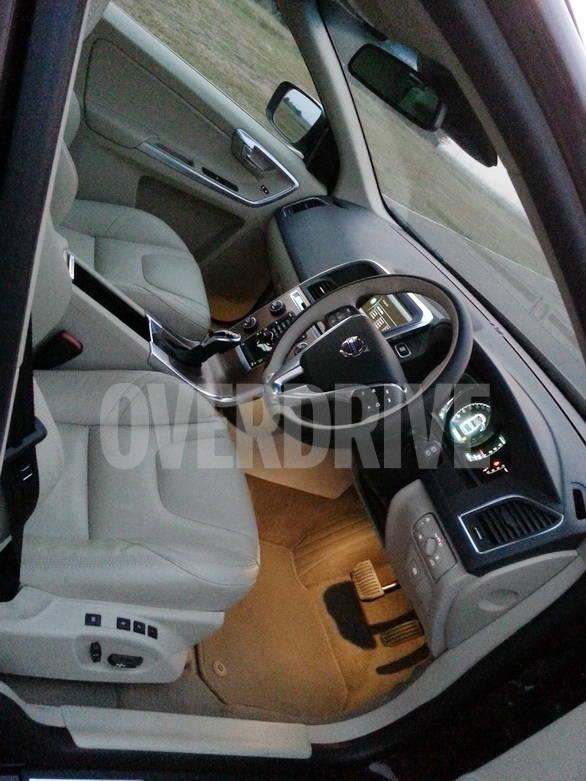 Volvo XC60 (5) (2)