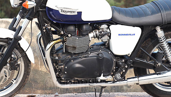 The engine wears more retro cases and the story goes that the it was always designed to remind you of the original Bonneville