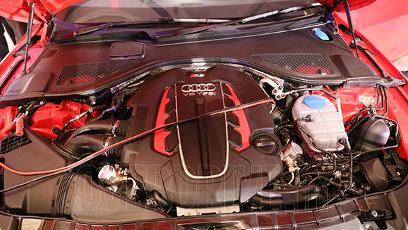 The hallowed V8 engine of the Audi RS 7