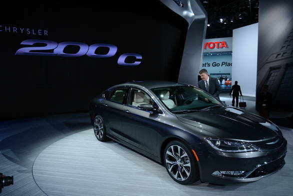 Chrysler 200C_resize