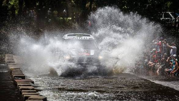2014 Dakar Rally Day 2: Peterhansel takes the lead