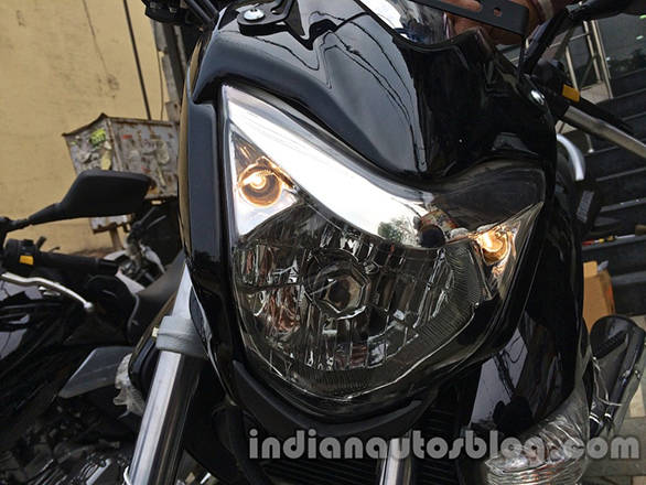 Suzuki-Inazuma-GW250-dealer-spied-headlight-1024x768