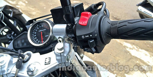 Suzuki-Inazuma-GW250-dealer-spied-switches-1024x768