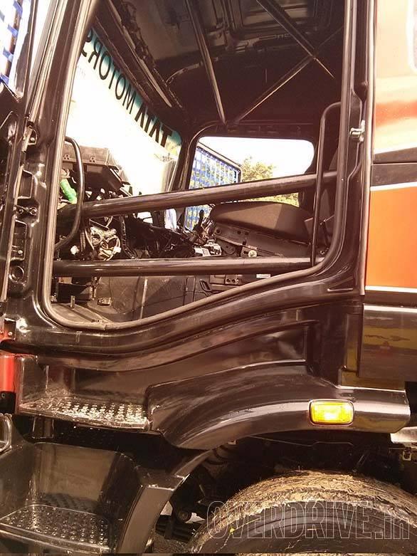 Tata Prima racing truck (15)
