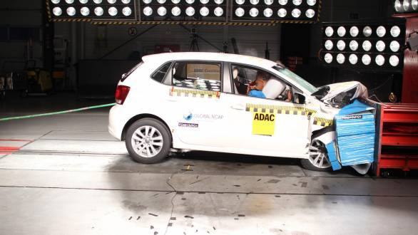 VW_Polo_x2_airbags