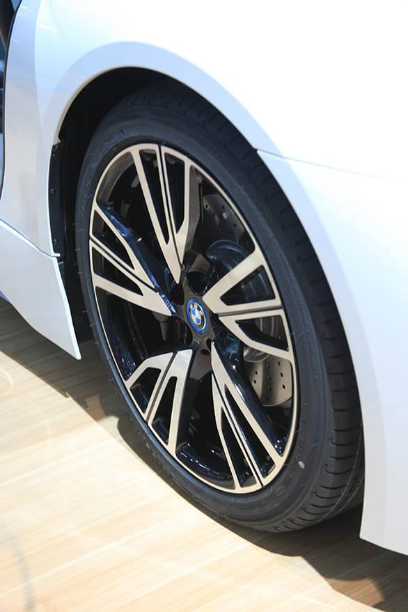 BMWi8 (1)