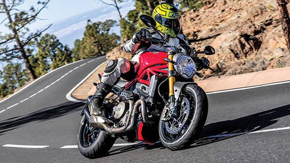 Ducati Monster 1200S (10)