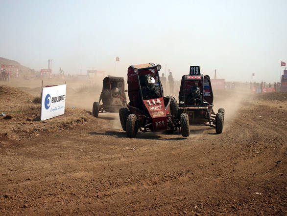 There was quite a bit of argy bargy out on the track, as faster buggies tried to get past the slower competitors