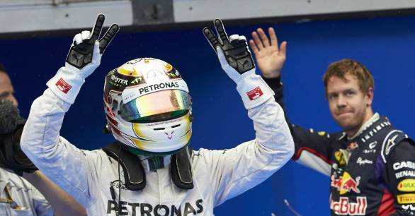 F1 2014: Hamilton takes a lights to flag win at Sepang