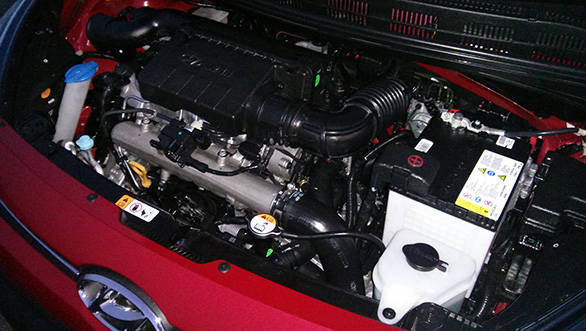 Hyundai-Xcent-(4)