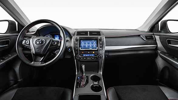 2015 Toyota Camry (2)