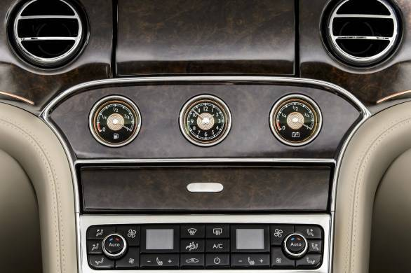 Bentley_Hybrid_Concept_Dials_2