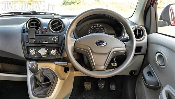 Datsun Go WagonR i10 (10)