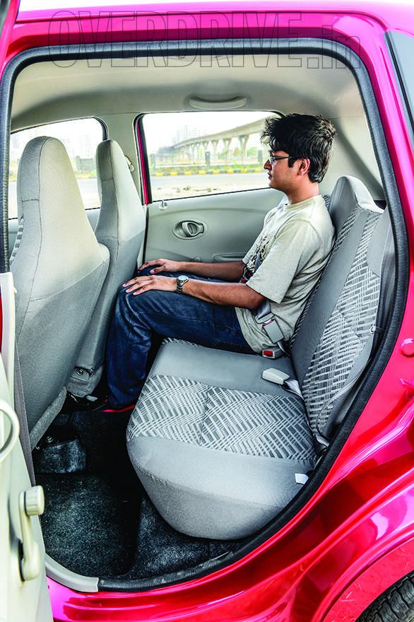 Datsun Go WagonR i10 (17)