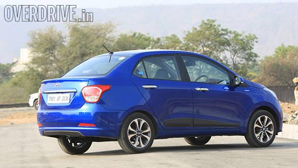 Hyundai Xcent petrol (8)