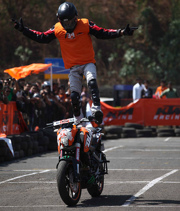 Joyride -- Esctatic Sachin on his KTM Duke 200