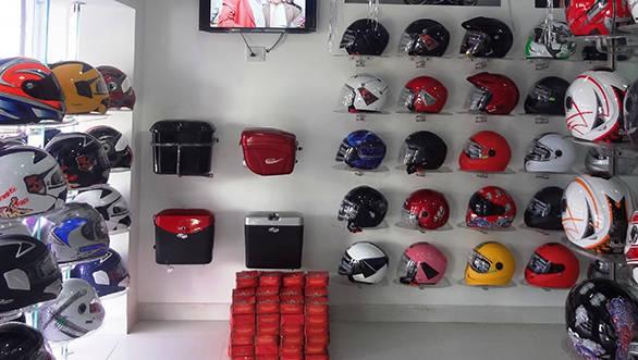 Steelbird Riderz shop (1)